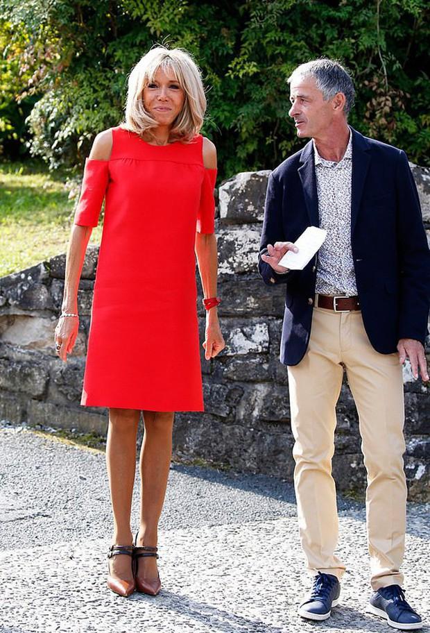 Chi hơn 400 triệu cho 3 ngày diễn ra Hội nghị G7, Phu nhân Tổng thống Pháp cũng chẳng kém bà Melania Trump ở khoản đầu tư váy áo - Ảnh 5.