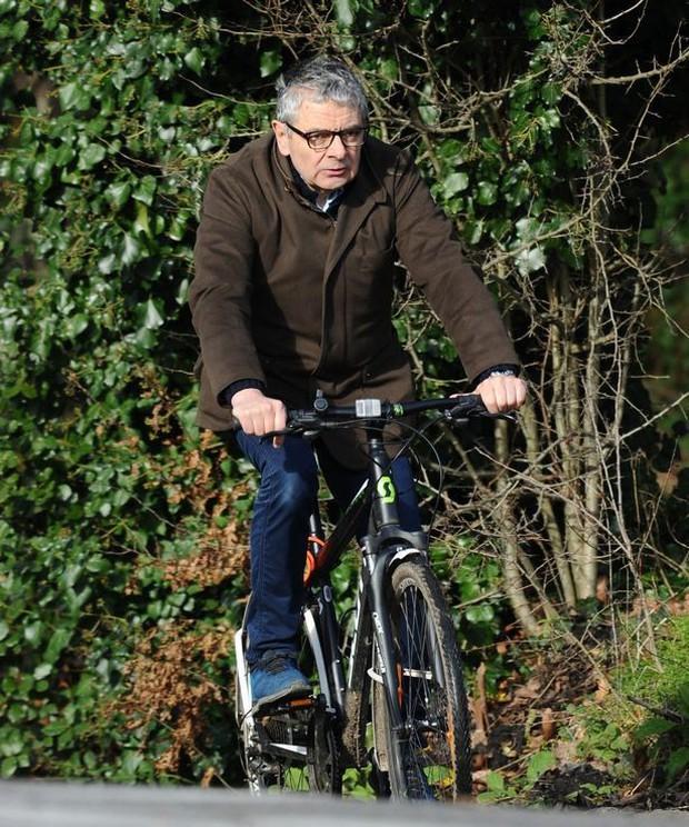 Mr. Bean gây bất ngờ với bộ dạng già nua sau khi xuất hiện trên TV Show - Ảnh 6.