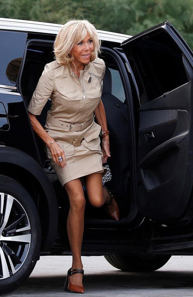 Chi hơn 400 triệu cho 3 ngày diễn ra Hội nghị G7, Phu nhân Tổng thống Pháp cũng chẳng kém bà Melania Trump ở khoản đầu tư váy áo - Ảnh 10.