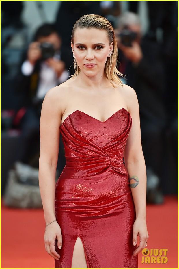 Thảm đỏ Venice quy tụ toàn sao hạng A: Scarlett mệt mỏi nhưng vẫn quá sexy bên dàn mỹ nhân, Brad Pitt quá phong độ - Ảnh 5.