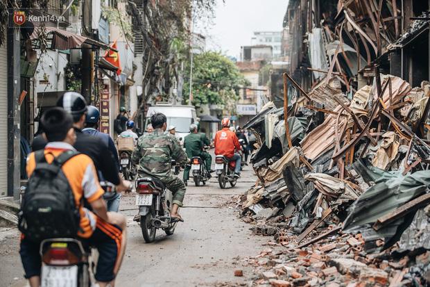 Công ty Rạng Đông lên tiếng về nguy cơ rò rỉ thuỷ ngân, cam kết xử lý môi trường sau vụ cháy lớn - Ảnh 2.