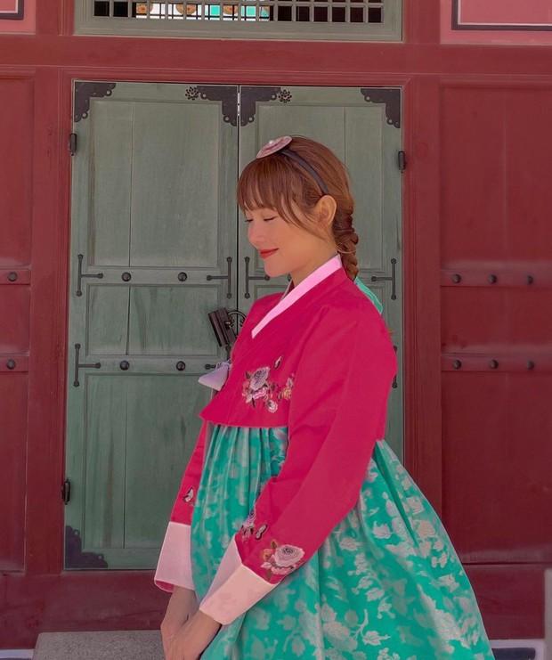 Đến hẹn lại lên: Minh Hằng tiếp tục phát sóng tập mới của kênh pé Heo vlog, lần này là ăn sập Seoul luôn! - Ảnh 1.