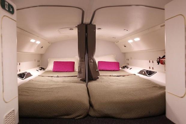 Góc khuất đằng sau những chuyến bay dài của phi công và tiếp viên: Liệu có được ngủ nghỉ, ăn uống như hành khách? - Ảnh 13.
