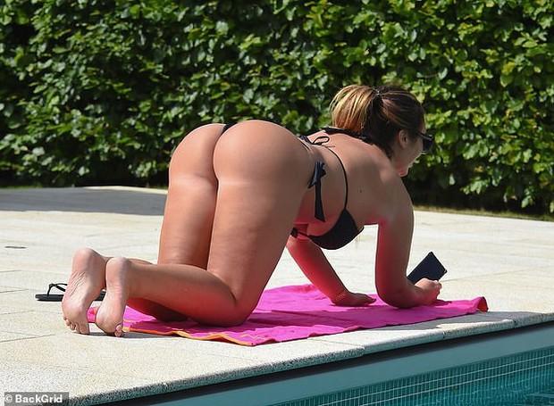 Kim Kardashian nước Anh gây sốc với vòng 1 cực đại, thân hình ngồn ngộn đến bản gốc cũng xin chào thua - Ảnh 5.