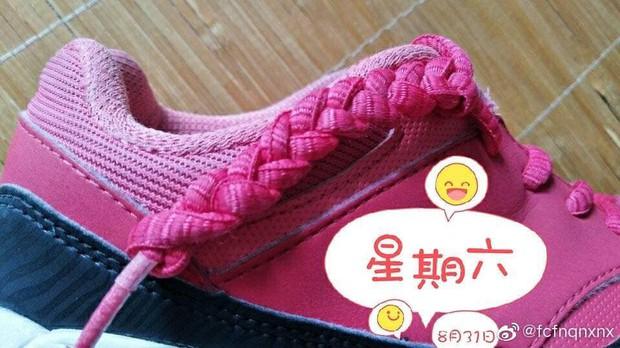 Có fan là thánh soi, đến cách thắt dây giày của Dương Mịch cũng thành hot trend khiến dân tình bấn loạn - Ảnh 7.