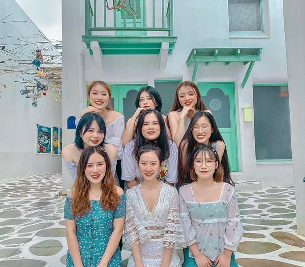 Hot girl 7 thứ tiếng Khánh Vy kể chuyện đi đu đưa cùng hội bạn thân ở Thái Lan: Lúc đi hết mình lúc về ngủ ngoài đường! - Ảnh 2.