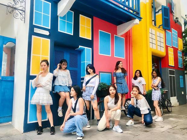 Hot girl 7 thứ tiếng Khánh Vy kể chuyện đi đu đưa cùng hội bạn thân ở Thái Lan: Lúc đi hết mình lúc về ngủ ngoài đường! - Ảnh 8.
