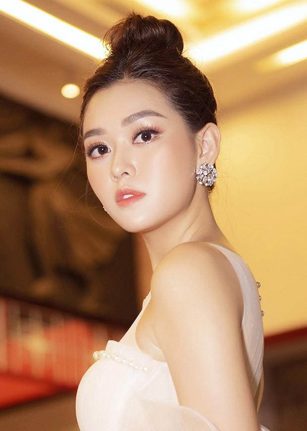 Xuất hiện trên trang chủ Miss International, Tường San được fan quốc tế dành lời khen có cánh vì nhan sắc đáng gờm - Ảnh 4.