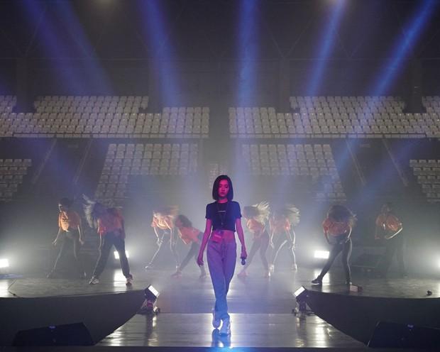 Bích Phương diễn tập trước show ở Indonesia: Khoe eo thon, chuẩn bị cho sân khấu trước MAMAMOO, Monsta X - Ảnh 18.