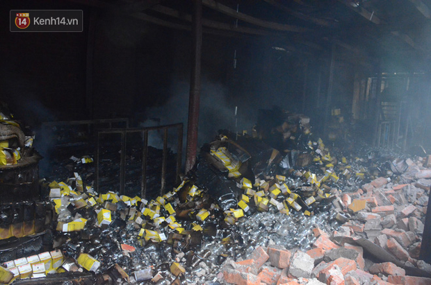 Báo cáo của Sở Tài nguyên và Môi trường Hà Nội: Các tủ chứa hóa chất amalgam còn nguyên vẹn sau vụ cháy nhà máy Rạng Đông - Ảnh 2.