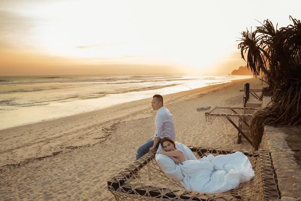 """Hễ Ngọc Trinh và Vũ Khắc Tiệp cùng đi du lịch là… có chuyện: Ảnh nude 100% ở Bali vừa rồi còn chưa gây sốc bằng đợt """"ngưng đọng thời gian"""" ở Paris - Ảnh 3."""