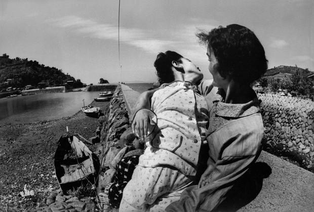 Thảm họa thủy ngân Minamata: 27 tấn chất thải hóa học đổ ra biển và nỗi đau đớn kéo dài hơn nửa thế kỷ - Ảnh 4.