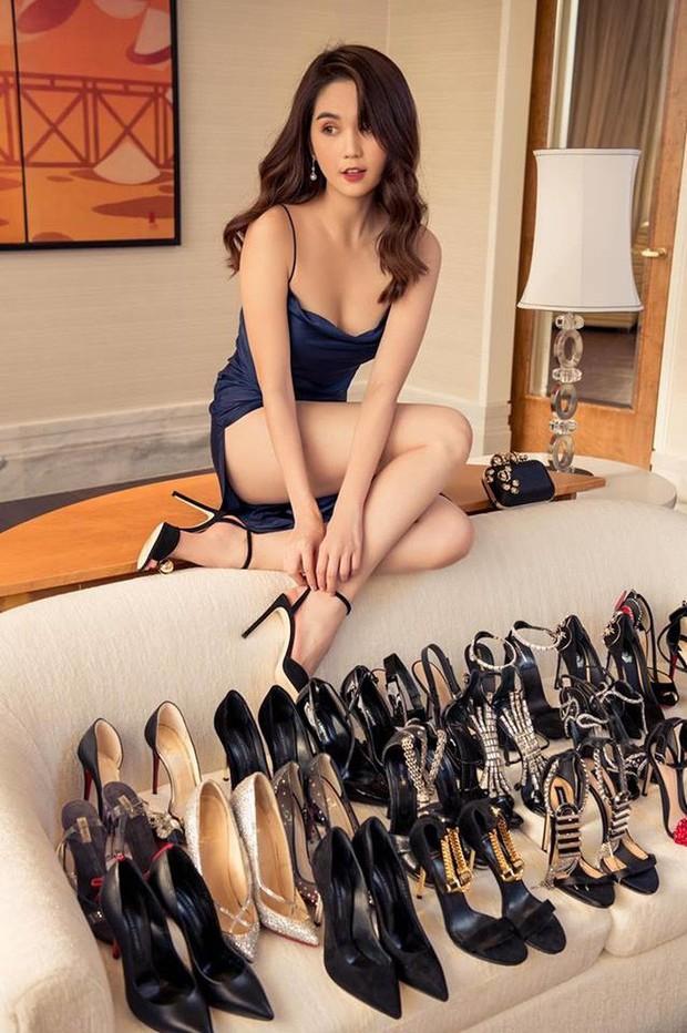 """Bị dân mạng thách đố chán chê, Ngọc Trinh đã đưa ra câu trả lời về việc sắm đôi giày nơ """"quét đất"""" gần 60 triệu VNĐ - Ảnh 4."""