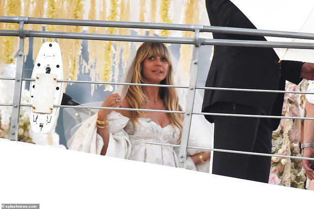 2 đám cưới hot nhất làng mẫu: Heidi Klum tổ chức trên du thuyền xa hoa, trái ngược với cặp đôi đồng tính Cara Delevingne - Ảnh 3.