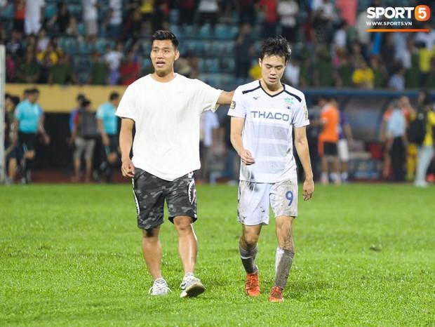 Cựu cầu thủ U23 tự trách vì bàn thua khiến HAGL đánh rơi chiến thắng ở Nam Định - Ảnh 6.