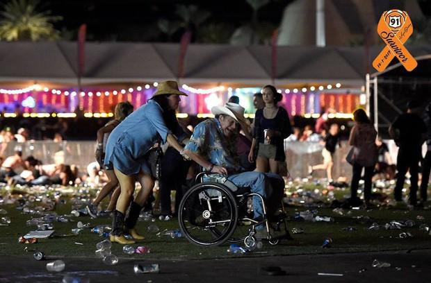 Loạt ảnh đầy xót xa trong tuần lễ đẫm máu của nước Mỹ: Liên tiếp 3 vụ xả súng khiến gần 100 người thương vong - Ảnh 7.