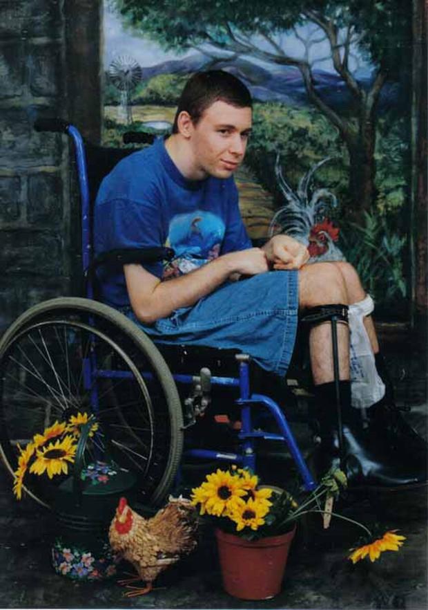 Câu chuyện về 'Ghost boy' - cậu bé ma mắc kẹt trong chính cơ thể mình suốt 12 năm trời cùng hành trình miệt mài tìm lại sự sống - Ảnh 5.