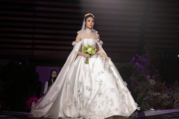 Bóc loạt bí mật đằng sau váy cưới của các mỹ nhân Việt đình đám - Ảnh 1.