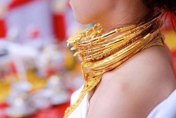 Những cô dâu số hưởng với vòng vàng trĩu cổ: Gánh nặng vậy ai cũng nguyện ý lấy chồng! - Ảnh 3.