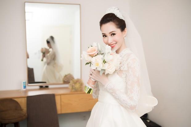 Bóc loạt bí mật đằng sau váy cưới của các mỹ nhân Việt đình đám - Ảnh 3.
