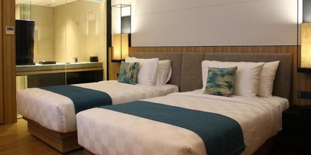 Sáng mắt chưa? Có hẳn lý giải khoa học cho việc giường khách sạn luôn đặt 4 gối dù chỉ có 2 người nằm nhé! - Ảnh 2.