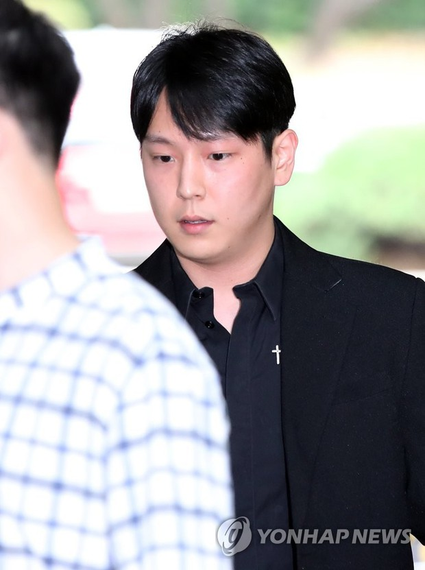 """Ngày ấy - bây giờ của 7 sao Hàn từng là hotboy, hotgirl mạng xã hội đình đám: Người tù tội, kẻ bỗng thành """"tiểu tam"""" - Ảnh 12."""