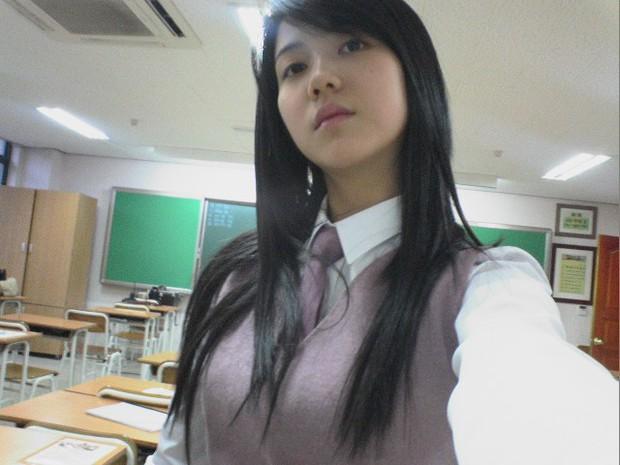 """Ngày ấy - bây giờ của 7 sao Hàn từng là hotboy, hotgirl mạng xã hội đình đám: Người tù tội, kẻ bỗng thành """"tiểu tam"""" - Ảnh 17."""