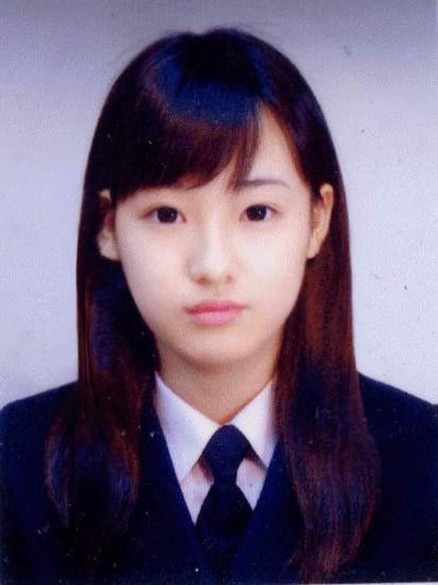 """Ngày ấy - bây giờ của 7 sao Hàn từng là hotboy, hotgirl mạng xã hội đình đám: Người tù tội, kẻ bỗng thành """"tiểu tam"""" - Ảnh 19."""