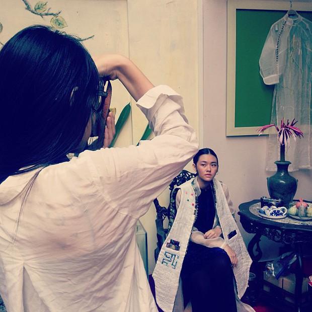 Chị gái Á hậu Tường San: Xinh đẹp, thần thái không thua kém gì cô em, đang học thạc sĩ thời trang tại Pháp - Ảnh 8.