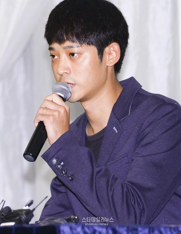 """Ngày ấy - bây giờ của 7 sao Hàn từng là hotboy, hotgirl mạng xã hội đình đám: Người tù tội, kẻ bỗng thành """"tiểu tam"""" - Ảnh 3."""