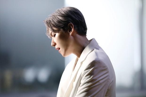 Sau tin hẹn hò giữa Kang Daniel và Jihyo (TWICE), bài debut solo của Baekhyun (EXO) bỗng bị gọi hồn - Ảnh 3.
