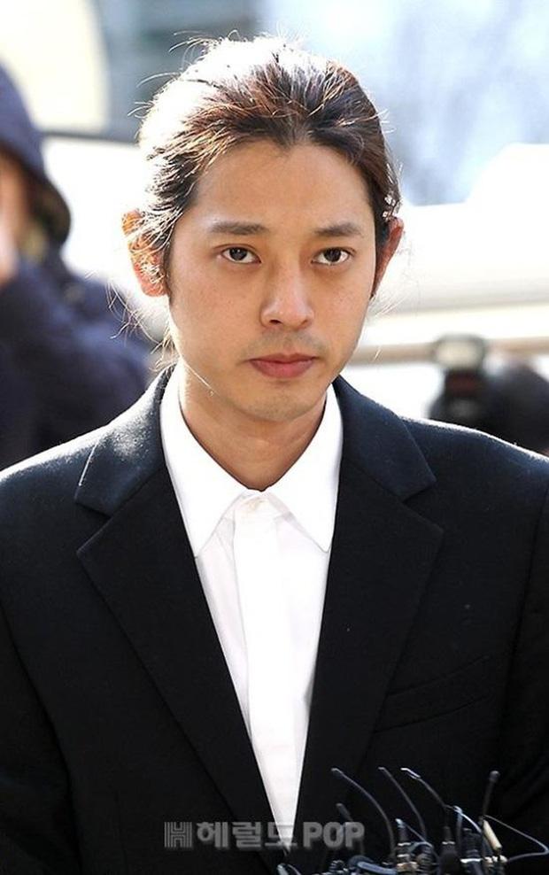 """Ngày ấy - bây giờ của 7 sao Hàn từng là hotboy, hotgirl mạng xã hội đình đám: Người tù tội, kẻ bỗng thành """"tiểu tam"""" - Ảnh 5."""