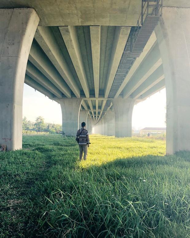 Góc sống ảo hot nhất với giới trẻ An Giang hiện tại chính là... chân một cây cầu: Nghe hơi vô lý nhưng nhìn hình sẽ thấy rất thuyết phục! - Ảnh 6.