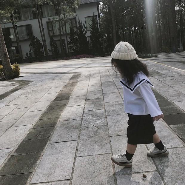 Cô bé mới 4 tuổi đã là mem cứng của hội ghiền Đà Lạt, cư dân mạng đùa chẳng sớm thì muộn em cũng thành đại sứ du lịch nơi đây! - Ảnh 8.