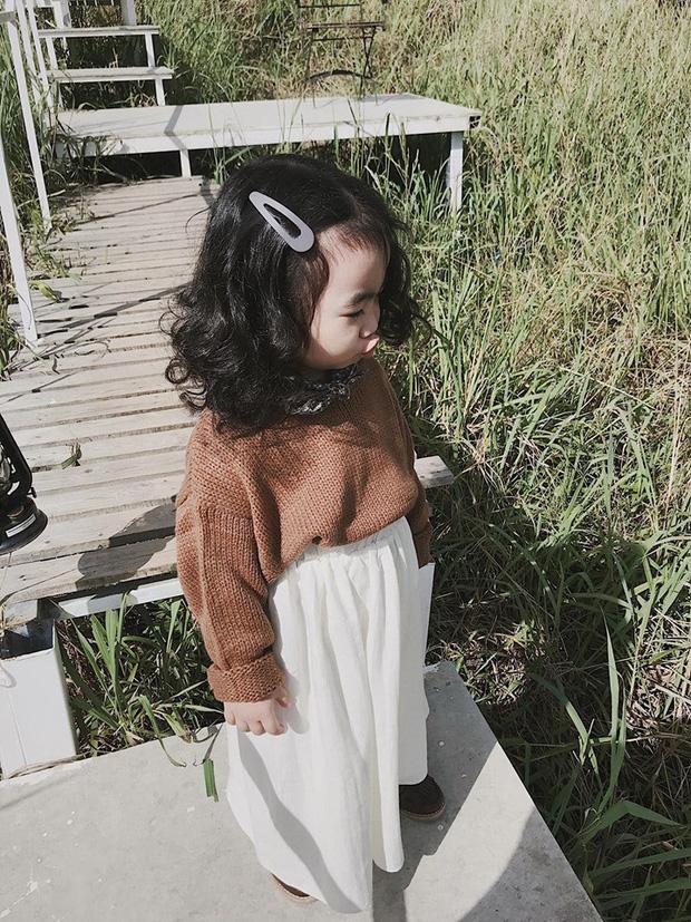 Cô bé mới 4 tuổi đã là mem cứng của hội ghiền Đà Lạt, cư dân mạng đùa chẳng sớm thì muộn em cũng thành đại sứ du lịch nơi đây! - Ảnh 9.