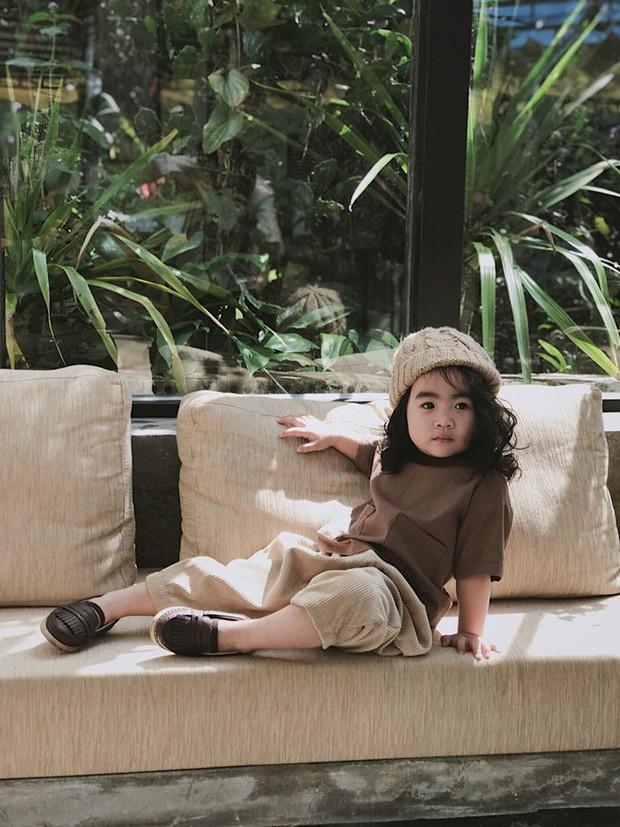 Cô bé mới 4 tuổi đã là mem cứng của hội ghiền Đà Lạt, cư dân mạng đùa chẳng sớm thì muộn em cũng thành đại sứ du lịch nơi đây! - Ảnh 12.