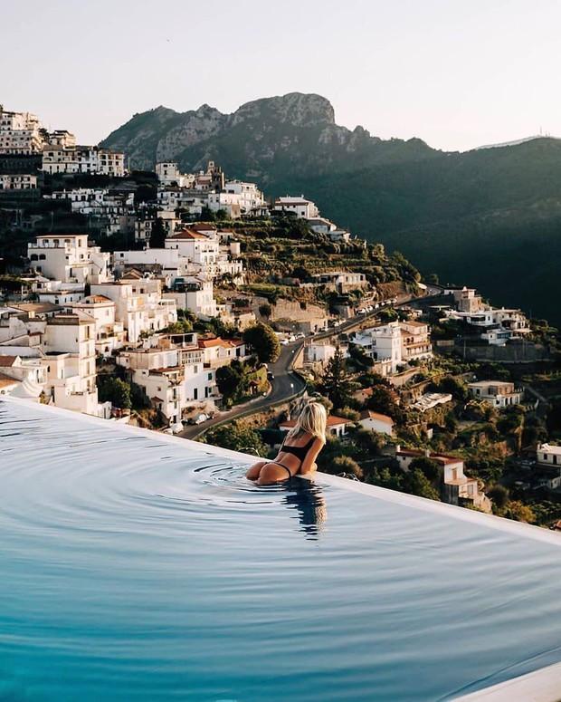 Công thức chung cho mỗi chuyến du lịch của hội rich kid trên Instagram: Kiểu gì cũng có siêu xe, du thuyền và tiêu tiền tỷ! - Ảnh 12.