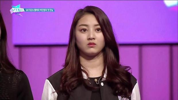 Bạn gái quyền lực của idol rung chuyển Kbiz Kang Daniel: Mỹ nhân TWICE bị chê béo, lột xác nóng bỏng, tính cách hiếm có - Ảnh 2.