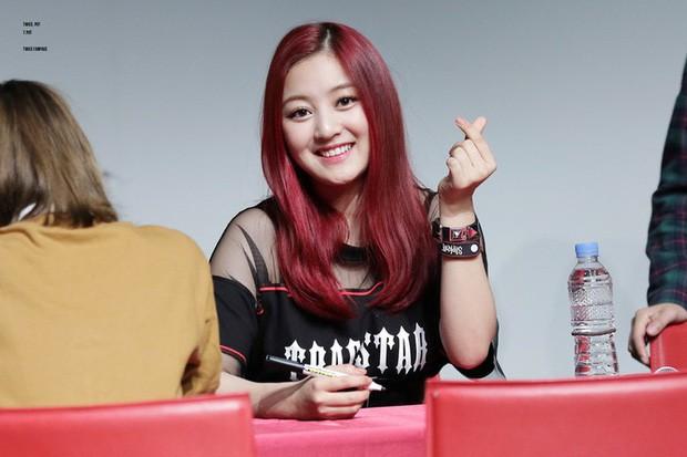 Bạn gái quyền lực của idol rung chuyển Kbiz Kang Daniel: Mỹ nhân TWICE bị chê béo, lột xác nóng bỏng, tính cách hiếm có - Ảnh 3.