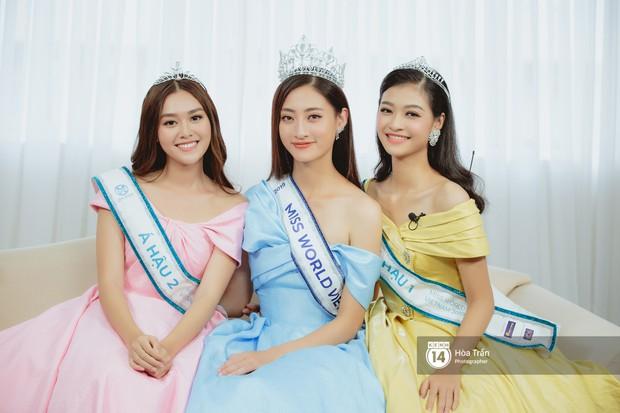 Top 3 Miss World Việt Nam 2019: Tân hoa hậu khẳng định không có ý định phẫu thuật thẩm mỹ, 2 á hậu gây thuyết phục bởi sự tự tin, khôn khéo - Ảnh 1.