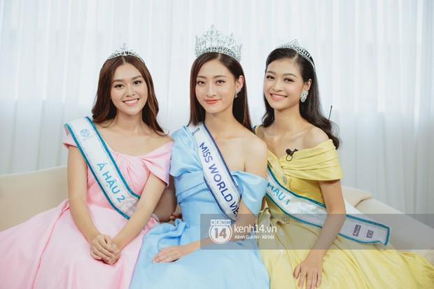 Livestream Top 3 Hoa hậu Thế giới Việt Nam 2019: Lương Thùy Linh, Tường San và Kiều Loan giải đáp toàn bộ câu hỏi hậu đăng quang - Ảnh 2.
