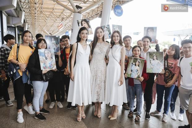 Tân Hoa hậu Lương Thùy Linh mặc giản dị, rạng rỡ cùng 2 Á hậu xuất hiện tại TP.HCM trong vòng tay người hâm mộ - Ảnh 14.