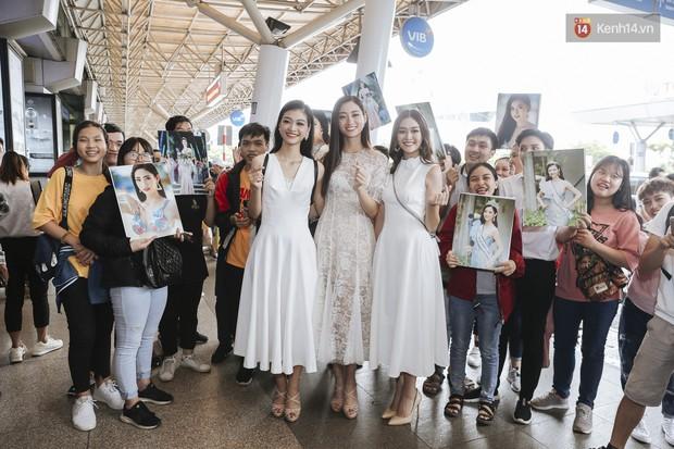 Tân Hoa hậu Lương Thùy Linh mặc giản dị, rạng rỡ cùng 2 Á hậu xuất hiện tại TP.HCM trong vòng tay người hâm mộ - Ảnh 13.