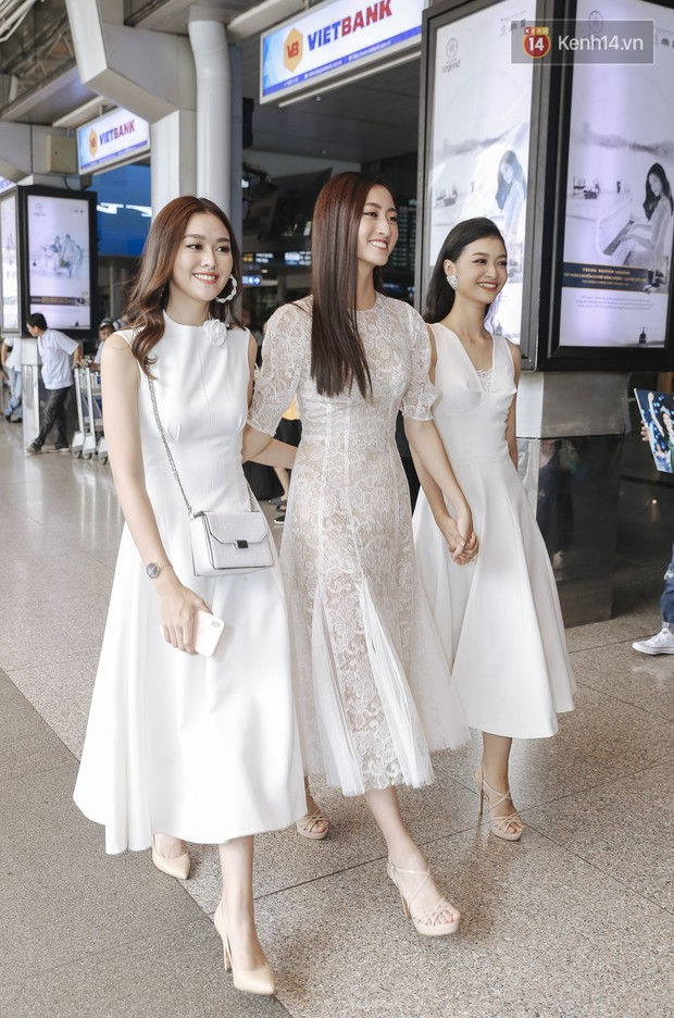 Tân Hoa hậu Lương Thùy Linh mặc giản dị, rạng rỡ cùng 2 Á hậu xuất hiện tại TP.HCM trong vòng tay người hâm mộ - Ảnh 6.