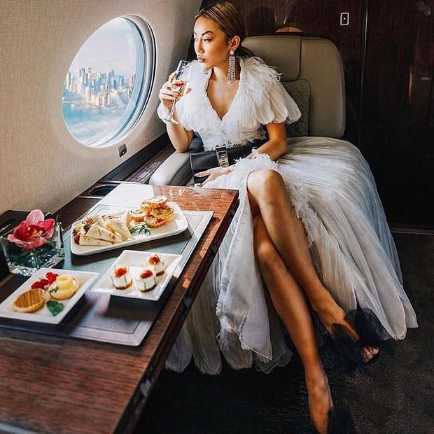 Công thức chung cho mỗi chuyến du lịch của hội rich kid trên Instagram: Kiểu gì cũng có siêu xe, du thuyền và tiêu tiền tỷ! - Ảnh 6.