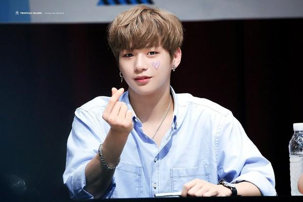 Bóc album debut của Kang Daniel: Tình yêu ở khắp muôn nơi, Jihyo (TWICE) chính là nàng thơ cảm hứng? - Ảnh 9.
