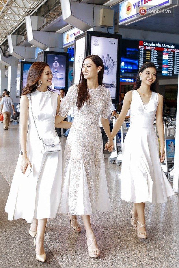 Tân Hoa hậu Lương Thùy Linh mặc giản dị, rạng rỡ cùng 2 Á hậu xuất hiện tại TP.HCM trong vòng tay người hâm mộ - Ảnh 9.