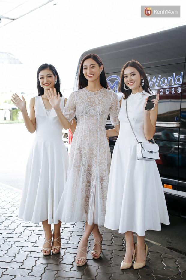 Tân Hoa hậu Lương Thùy Linh mặc giản dị, rạng rỡ cùng 2 Á hậu xuất hiện tại TP.HCM trong vòng tay người hâm mộ - Ảnh 7.