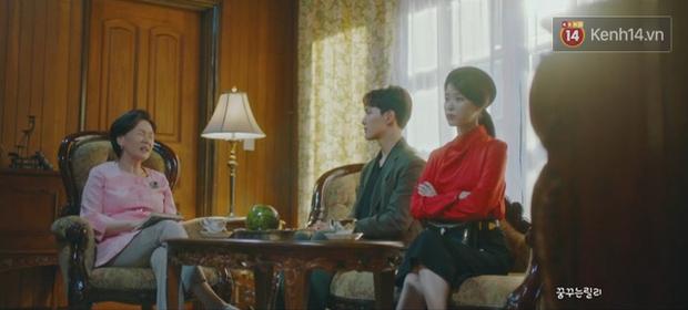 CEO IU biến hình ác nữ, nguyền rủa kẻ thù kiêm tình địch truyền kiếp bằng chiêu khẩu nghiệp trong tập 8 Hotel Del Luna - Ảnh 7.