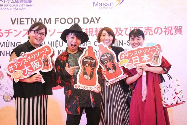 Bất ngờ với chàng ca sĩ Vietnam Kun trong sự kiện ra mắt CHIN-SU: Hát nhạc Việt bằng tiếng Nhật cực cool - Ảnh 2.